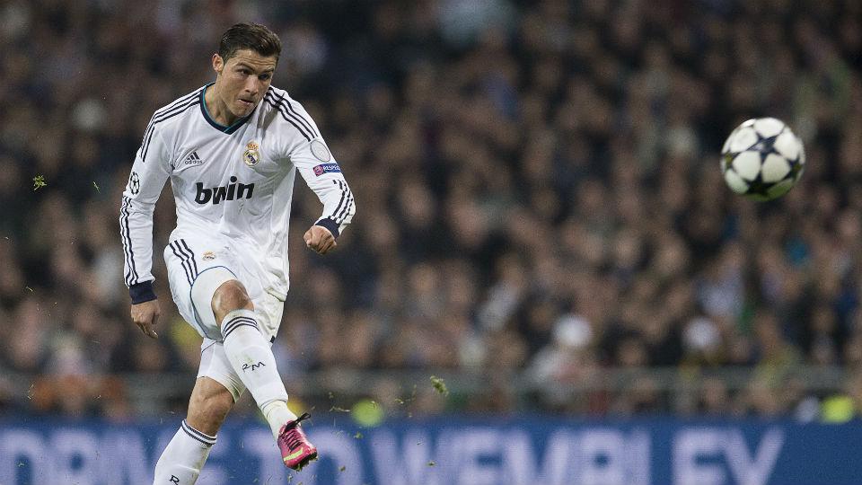 Tendangan knucke shot ala Cristiano Ronaldo